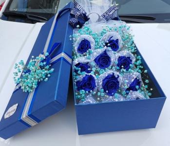 【  配送上门丨国珍花店丨一心一意蓝色妖姬11朵礼盒】一束花的仪式感,爱你一心一意包含着对你爱与梦幻~仅112元享门市价188元的【一心一意蓝色妖姬礼盒】11朵蓝玫瑰花束,爱你一心一意!